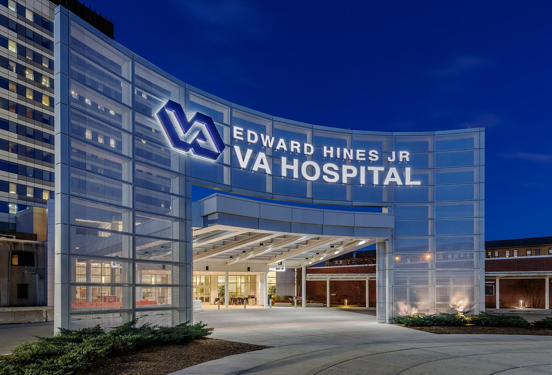 Edward-Hines-Building-200-Façade-Replacement-Hines-Illinois-Entrance-Facade-Canopy-Night-Detail-01-Ballogg